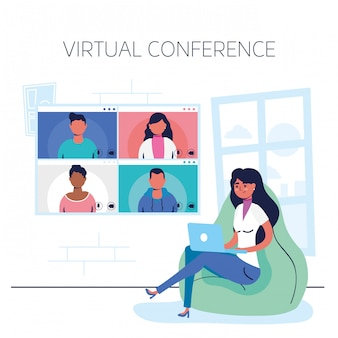Kobieta używa laptop w wirtualnej konferencyjnej komunikaci