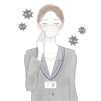 Kobieta w garniturze ma na sobie maskę z włókniny. na białym tle.