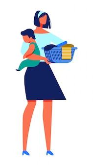 Kobieta z dzieckiem w ręka chwyta koszu z pralnią.