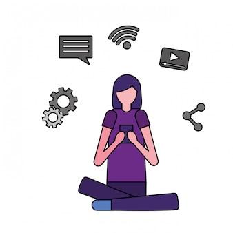 Kobieta za pomocą mobilnych mediów społecznościowych
