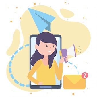 Kobieta ze smartfonem ogłasza reklamy za pomocą megafonu e-mail do komunikacji i technologii w sieci społecznościowej