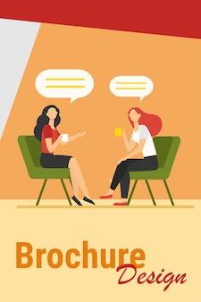 Kobiety rozmawiają przy filiżance kawy. koleżanki spotkanie w kawiarni, czat pęcherzyki płaskie wektor ilustracja. przyjaźń, koncepcja komunikacji