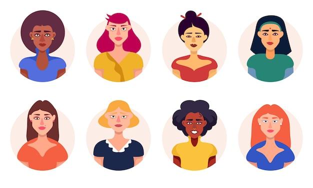 Kobiety z różnych ras avatar ikony zestaw płaski wektor