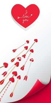 Kocham cię napis w czerwonym sercem. strzały na białym tle