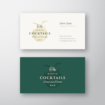 Kokos egzotyczne koktajle bar streszczenie elegancki znak lub logo i szablon wizytówki. premium stacjonarne realistyczne makiety. nowoczesna typografia i łagodne cienie.