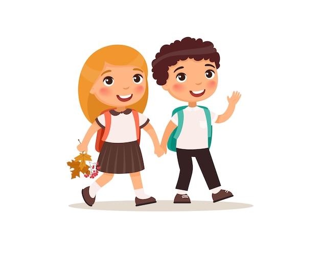 Koledzy chodzą do szkoły płaskie wektor ilustracja. para uczniów w mundurze, trzymając się za ręce na białym tle postaci z kreskówek.