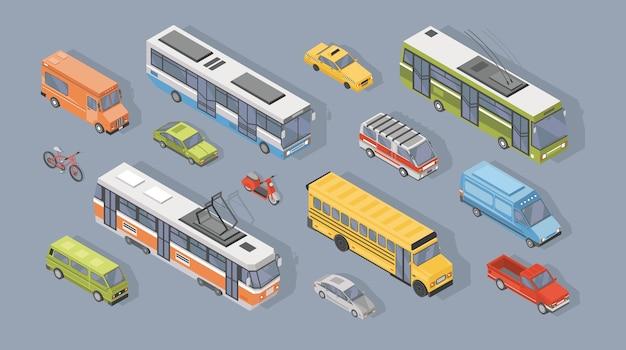 Kolekcja izometrycznych pojazdów silnikowych na szarym tle