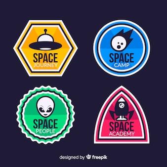 Kolekcja kolorowy przestrzeń odznaka z płaska konstrukcja