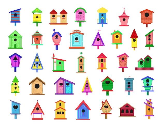 Kolekcja kolorowych domków dla ptaków.