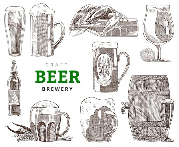 Kolekcja kufli, szklanek i butelek. impreza z piwem rzemieślniczym, ilustracja vintage grawerowanie. ręcznie rysowane projekt transparentu. plakat browaru lub restauracji rzemieślniczej.