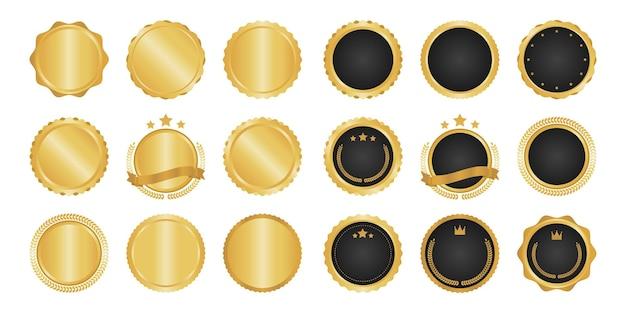 Kolekcja nowoczesnych, metalowych odznak, etykiet i elementów w złotym kółku.
