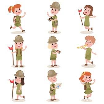Kolekcja odzieży harcerskiej dla dzieci, zajęcia na letnim obozie