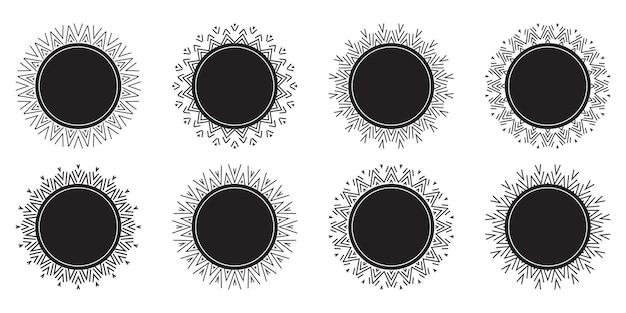 Kolekcja okrągłych ozdobnych obramowań w kolorze czarnym z białymi ornamentami w stylu retro