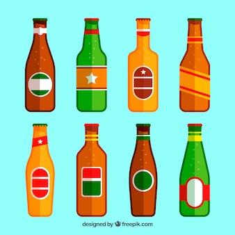 Kolekcja płaskie butelki piwa z etykietą