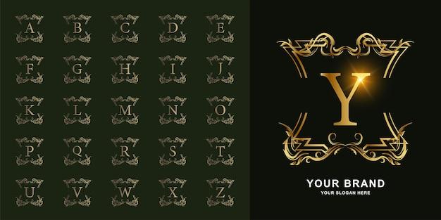 Kolekcja Początkowy Alfabet Z Luksusową Ramą Kwiatowy Ornament Premium Wektorów