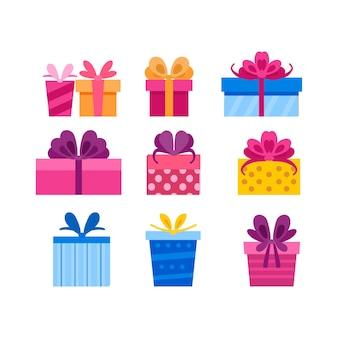 Kolekcja różnych jasnych pudełek na prezenty z kreskówek