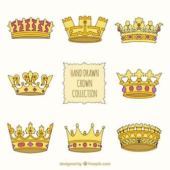 Kolekcja złotych koron w stylu rysowane ręcznie