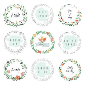 Koło kwiatowy doodle ramki. okrągły wieniec laurowy, obramowanie z monogramem, ręcznie rysowane kształty botaniczne. zestaw ramek kwiaciarni