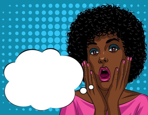 Kolorowa ilustracja w stylu pop-art pięknej twarzy kobiety afroamerykanów w szoku emocji.