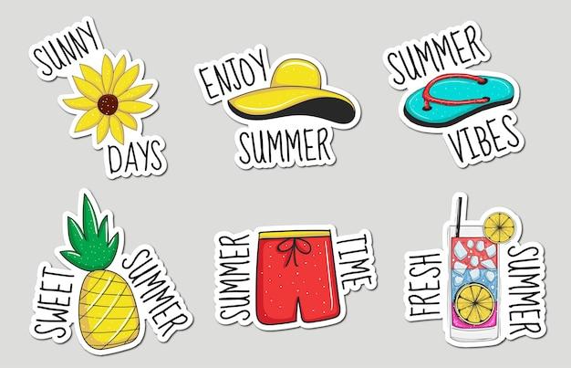 Kolorowa kolekcja naklejek z ręcznie rysowanymi elementami letnimi