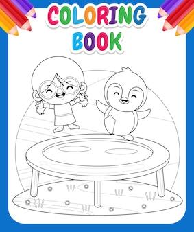 Kolorowanka dla dzieci. szczęśliwa śliczna dziewczyna i pingwin grający na trampolinie
