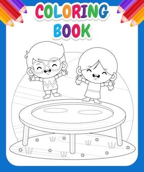 Kolorowanka dla dzieci. szczęśliwe dzieci bawiące się na trampolinie
