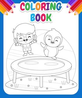 Kolorowanka dla dzieci. szczęśliwy słodki chłopiec i pingwin grający na trampolinie