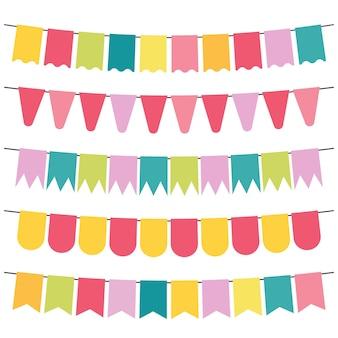 Kolorowe flagi i girlandy z chorągiewkami do dekoracji. elementy dekoracyjne o różnych wzorach. ilustracja wektorowa