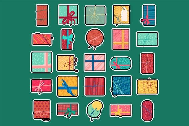 Kolorowe pudełka na prezenty świąteczne płaskie wektor ilustracja. zestaw naklejek na prezenty noworoczne
