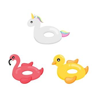 Kolorowy dmuchany basen. kształt flamingów, kaczek i jednorożców. letnie przedmioty na białym tle