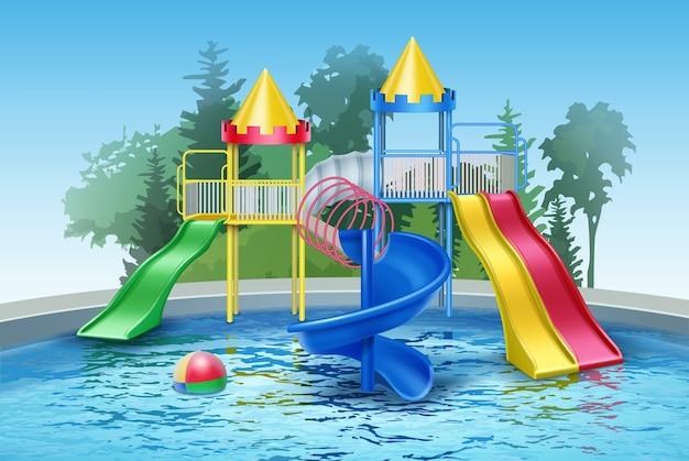 Kolorowy plac zabaw dla dzieci ze zjeżdżalniami i basenem w odkrytym aquaparku.