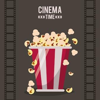 Kolorowy plakat kino z taśmy filmowej i opakowanie popcorn