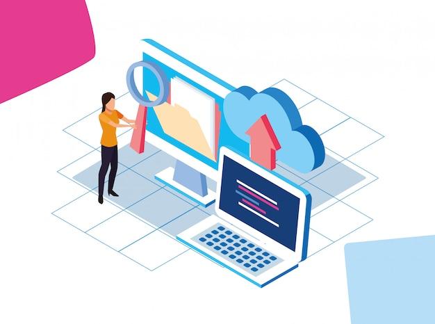 Kolorowy projekt big data z komputerami i kobietą z magazynami w chmurze