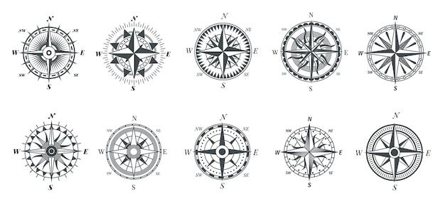 Kompas róży wiatrów. vintage kompasy morskie, żeglarskie znaki nawigacyjne podróży, symbole wektor wskaźnika retro strzałki. kierunek kompasu, ilustracja narzędzi eksploracji podróży morskich
