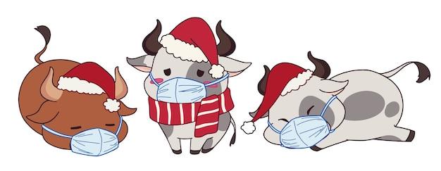 Komplet kreskówka krów noszących maskę medyczną i kostium świąteczny.