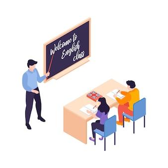 Kompozycja izometrycznych kursów językowych z postacią nauczyciela przy tablicy z uczniami przy ilustracji na biurku