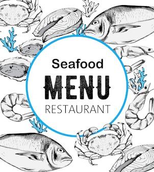 Kompozycja menu z owocami morza z czerwonym stekiem z ryb, ostrygami i krabami