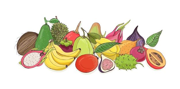 Kompozycja z pysznymi dojrzałymi soczystymi owocami tropikalnymi