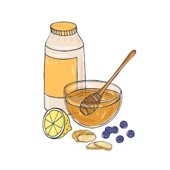 Kompozycja ze słoika, szklana miska pełna miodu, łyżka, pokrojona cytryna, pokrojony imbir, jagody na białym tle. pyszny zdrowy deser, słodkie smaczne zdrowe jedzenie. ilustracja.