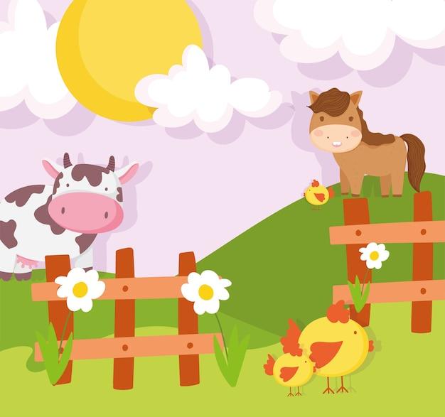 Koń krowa kurczaki płot drewniany łąka zwierzęta gospodarskie