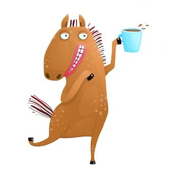 Koń trzyma filiżankę kawy