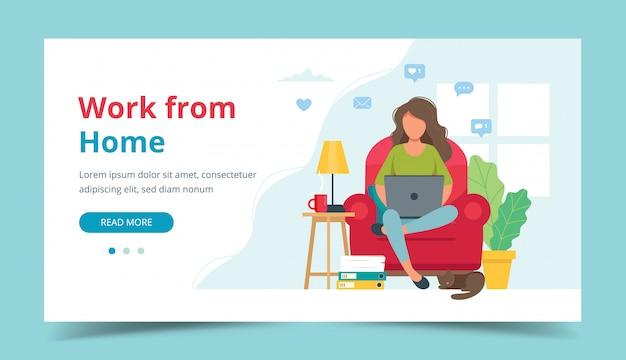Koncepcja biura domowego, kobieta pracująca w domu, siedząc na krześle, student lub freelancer.