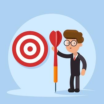 Koncepcja biznesowa celu. celowy biznesmen z włócznią w ręku stoi z celem.