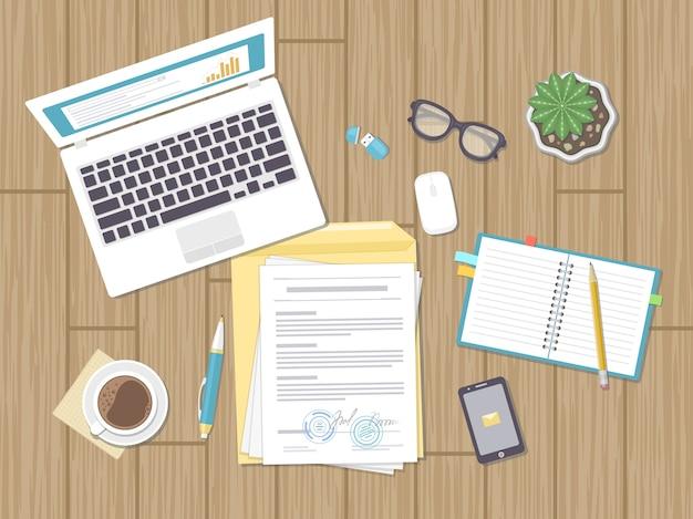 Koncepcja biznesowa, umowa, strategia, analiza, audyt. miejsce pracy, podpisanie umowy. dokumenty, laptop, notes, okulary, koperta, telefon, garnek. ilustracja.