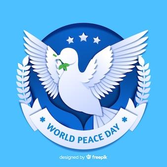 Koncepcja dnia pokoju z gołębicą