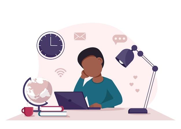 Koncepcja edukacji online z chłopcem, komputerem, kulą ziemską, lampą i książkami.