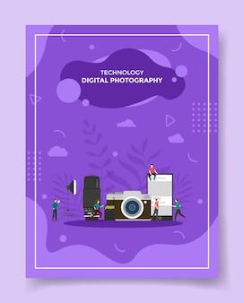 Koncepcja fotografii cyfrowej ludzie wokół obiektywu aparatu fotograficznego oświetlenie karty pamięci smartfona