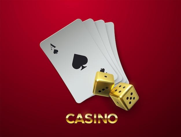 Koncepcja kasyna ze złotymi kostkami i stosem kart do gry na białym tle