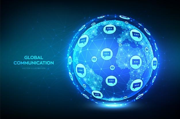 Koncepcja komunikacji globalnej. streszczenie niskiej wielokąta planeta ziemia z ikonami dymków dialogowych.