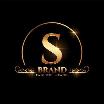 Koncepcja logo marki litera s w złotym stylu